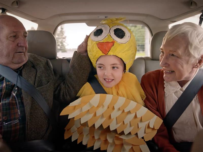 McDonalds Charming Ad Shows The Rewards Of Riding In Dreaded Middle Seat